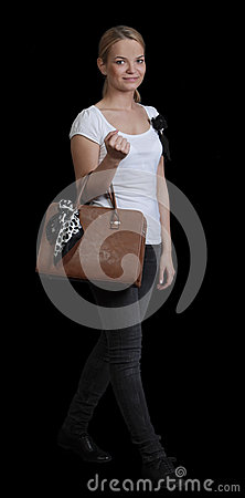 Den unga kvinnan med hänger lös