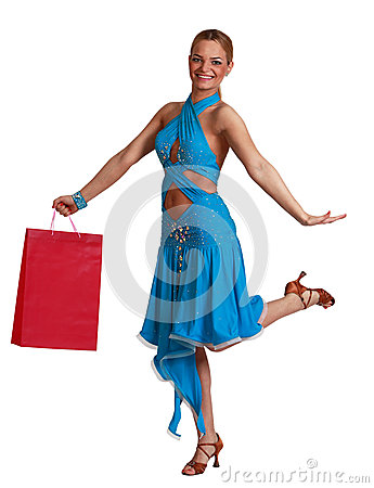 Den lyckliga kvinnan med shopping hänger lös