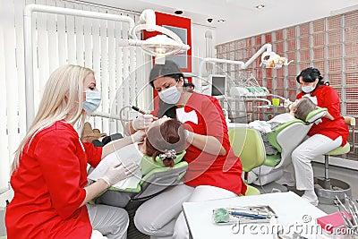 Dentistas no trabalho