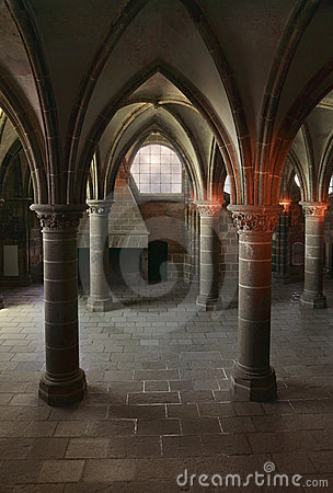 Dentro arquitetura gótico