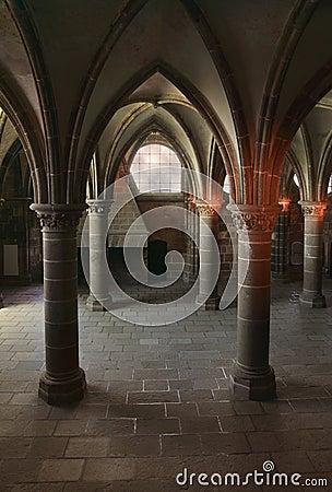 Dentro configuración gótica
