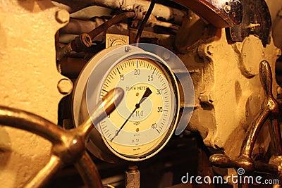 Depth meter submarine