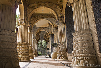 Der Palast der verlorenen Stadt - gewölbter Eingang