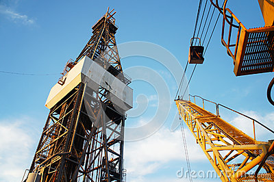 Derrick of Jack Up Oil Drilling Rig and Rig Crane