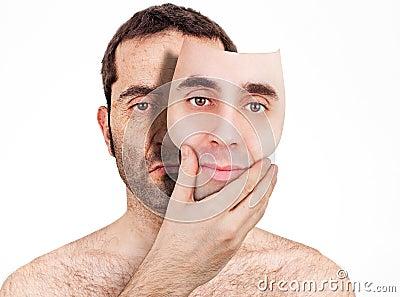 Derrière le masque