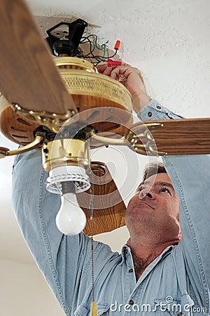 Desconectando fios do ventilador