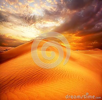 Free Desert. Sand Dune Royalty Free Stock Image - 22235906