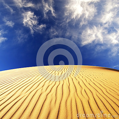 Free Desert Sand Dunes Royalty Free Stock Photography - 44625657