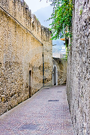 Free Deserted Alleyway Royalty Free Stock Photo - 45661655