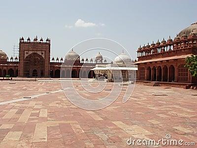 Deserted courtyard of Fatehpur Sikri