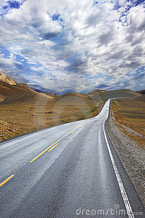 Free Deserted Road Royalty Free Stock Image - 13851676
