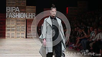 Desfile de moda de Ana Marija Ricov metrajes