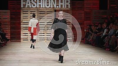 Desfile de moda de Ana Marija Ricov almacen de video