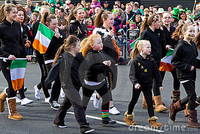 Desfile del día del St. Patrick en quintilla Imagen de archivo editorial