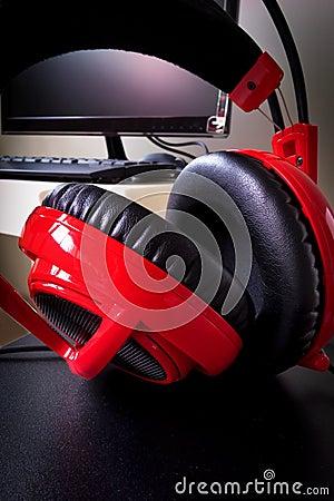 Desktop computer headphones