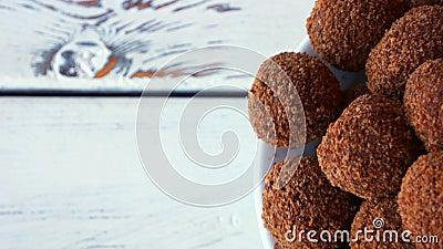 Dessert a forma di palla squisito stock footage