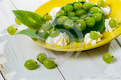 Dessert made of jelly and gooseberries