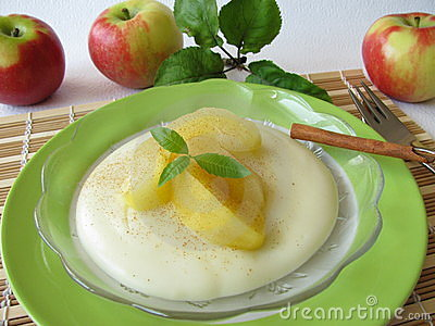 Dessert with stewed apples