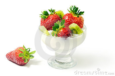 Dessert with strawberry and kiwi