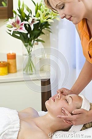 Destressing Facial Treatment