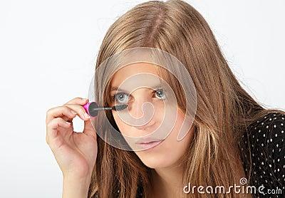Detail applying mascara
