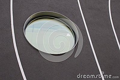 Detail der fassade und runde fenster eines modernen for Rundes fenster