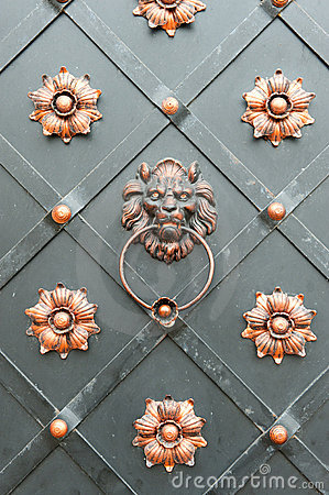 Free Detail Of An Iron Door Stock Photo - 16890090