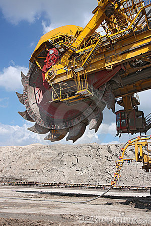 Free Detail Of Big Excavator In Coal Mine Stock Images - 16566194