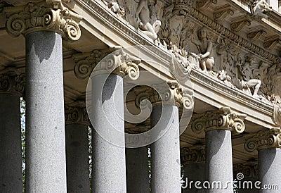 Details of corinthian columns