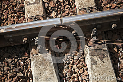 Details of rails joint with gap