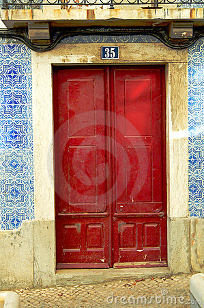 Details of red door