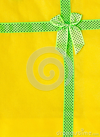 Details on yellow cloth.