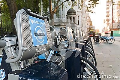 Detalhe de bicicletas para o aluguer em Londres. Imagem Editorial
