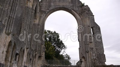 Detalhes exteriores de convento de Beaumont le Roger, Normandy França, INCLINAÇÃO video estoque
