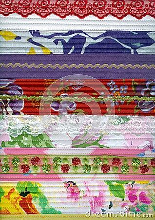 Detalle de la tela del remiendo hecho a mano