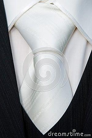 Detalle del pañuelo del novio