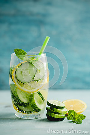 Free Detox Water Or Infused Water Of Cucumber And Lemon Royalty Free Stock Image - 74101906