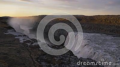Dettifos waterval bij zonsondergang IJsland stock footage