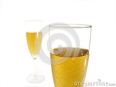 Deux glaces de champagne