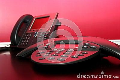 Deux téléphones