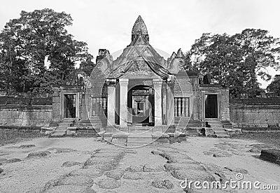 Deuxième clôture Banteay Srei