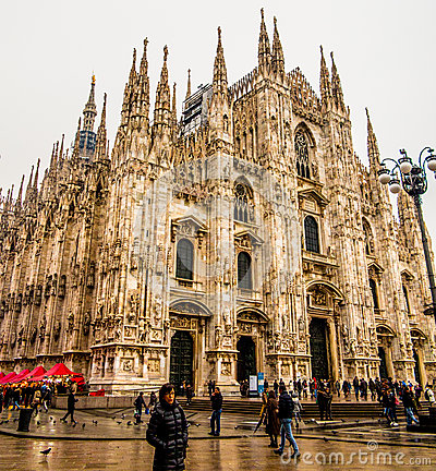Di Milan de Duomo Image éditorial