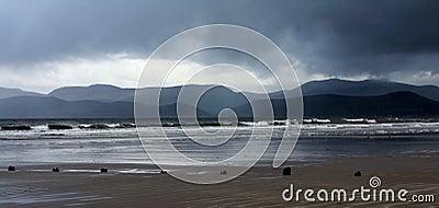 Dia tormentoso na costa de Rossbeigh