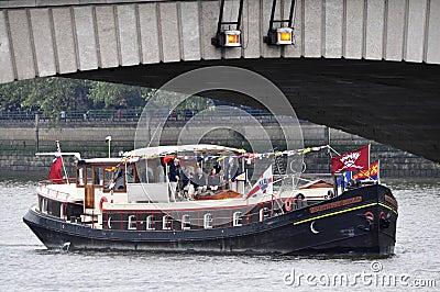 Diamentowego jubileuszu widowisko Thames Zdjęcie Editorial