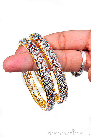Free Diamond Bangles Royalty Free Stock Photos - 8478298