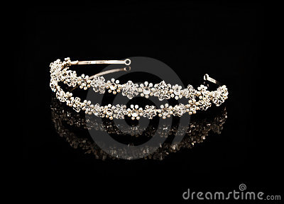 Diamond diadem with reflexion