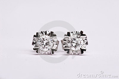 Diamond earing