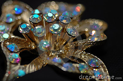 Diamond Flower Pin 3
