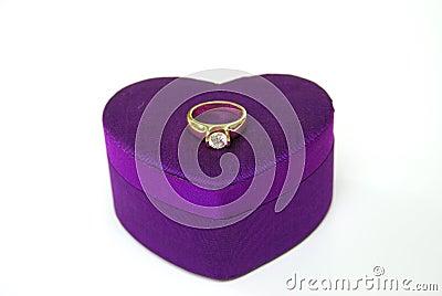 Diamond gold ring-silk box