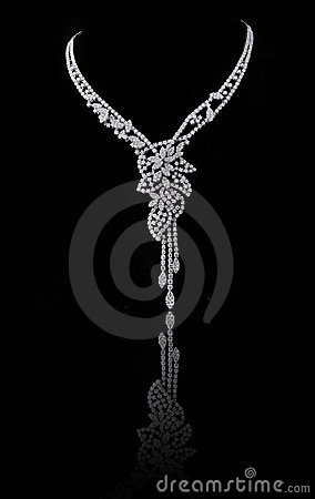 Free Diamond Necklace Royalty Free Stock Images - 14620319